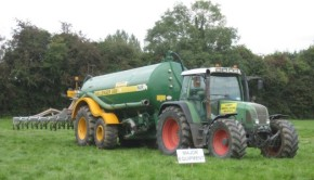 Slurry-spreading-tractor-and-trailer-trim