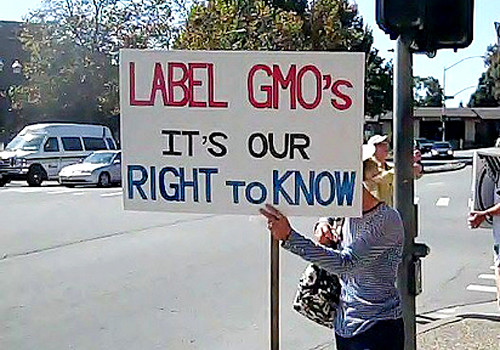 'label GMOs' sign