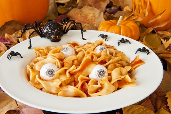 Eating vegan tricks and treats for kid friendly halloween for Halloween dinner party food for adults
