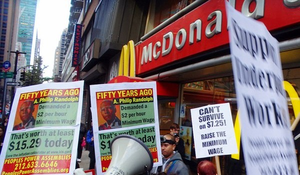 mcdonalds_protest_flickr_10470706015_a5906b9fb3_z