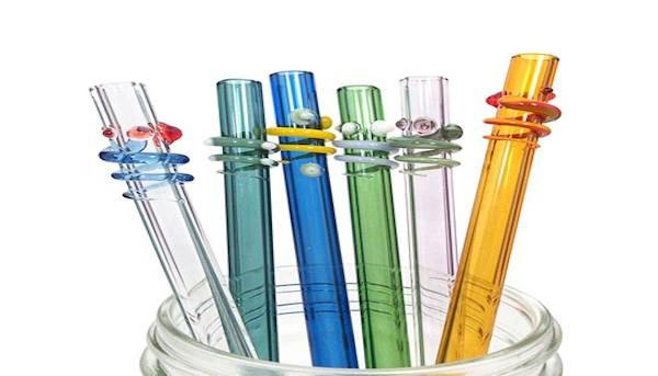 Thirsday Thursday: 4 Alternatives to Plastic Straws