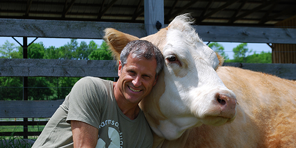An Interview with Farm Sanctuary's Gene Baur (+ a video!)