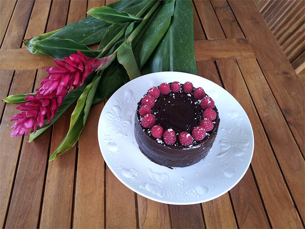 Chocolate Cherry Spice Cake – If you love chocolate and fruit ...